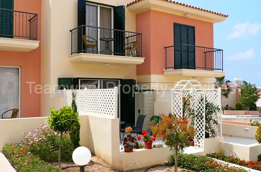 2 Bedroom Townhouse In Peyia Village, For Sale Paphos