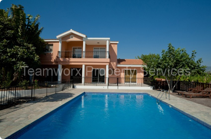 4 Bedroom House For Rent In Sea Caves, Paphos