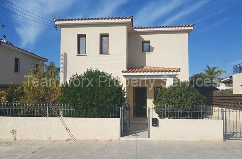 3 Bedroom House For Rent In Koloni, Paphos