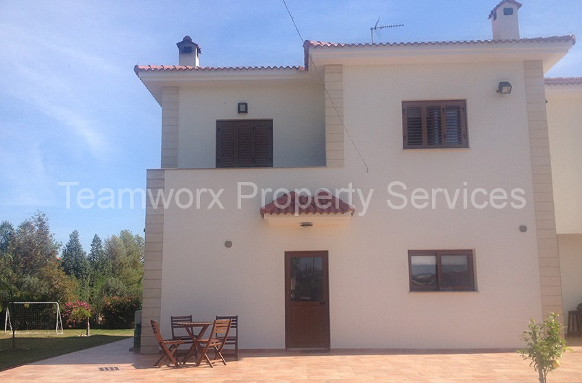 5 Bedroom House In Nisou, Nicosia