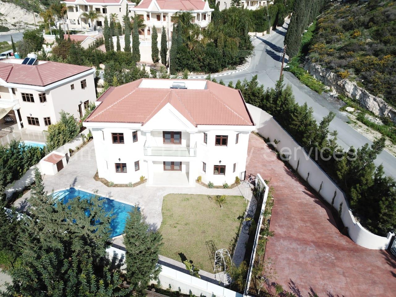 4 Bedroom Luxury Villa Agios Tychonas for Sale