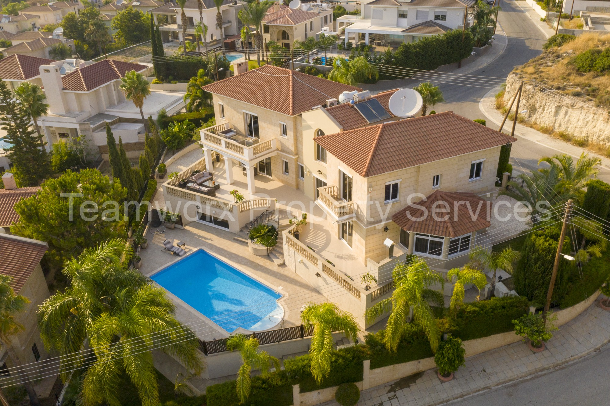 5 Bedroom Villa for Sale in Agios Tychonas, Limassol